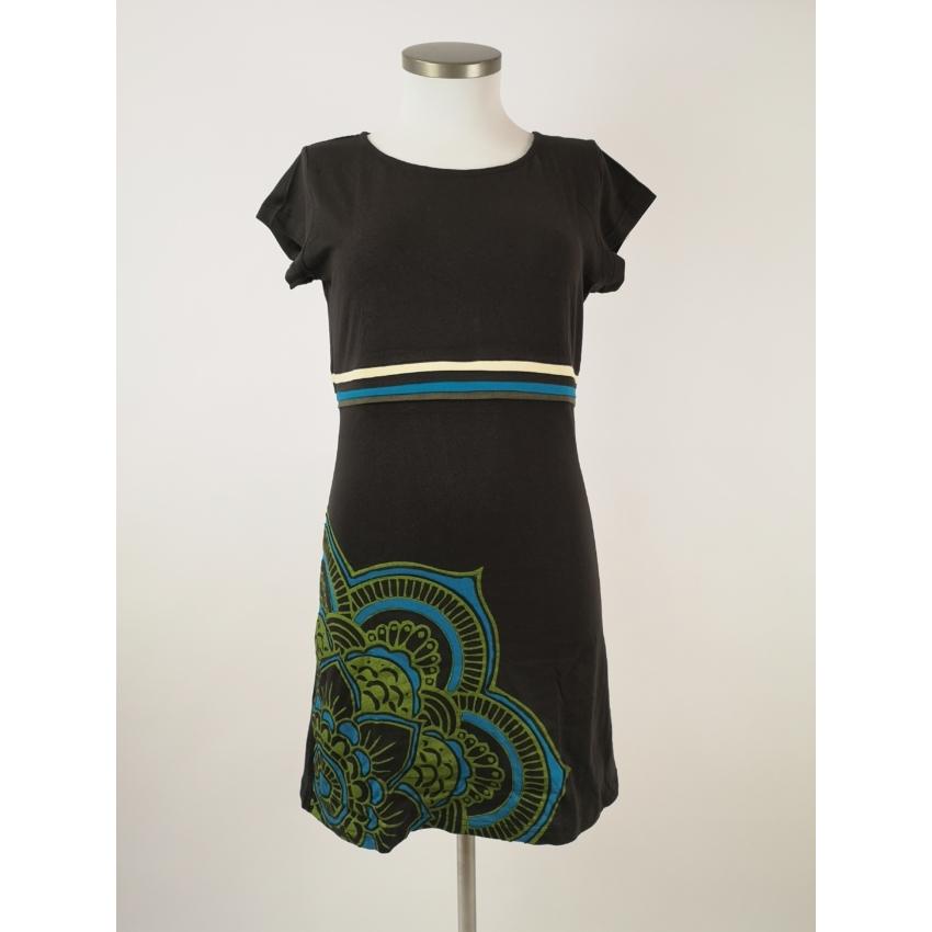 Barna alapon zöld mandalás ruha, dekoratív csíkkal
