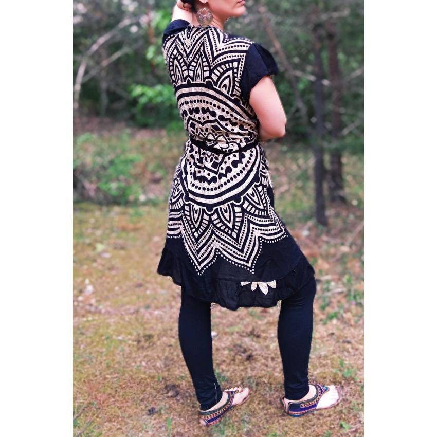 Fekete, mandalás átlapolós nyári ruha